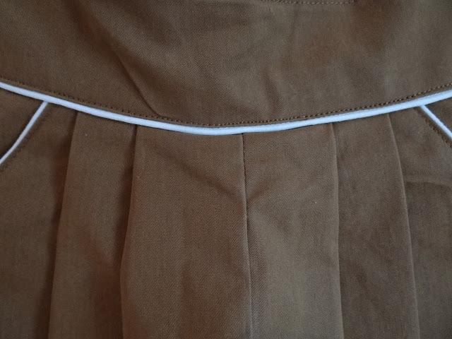 pantalón infantil con pinzas