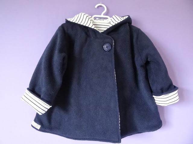 KCWC 1: Abrigo Little Mademoiselle con capucha