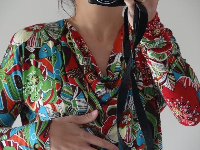 Top cuello drapeado