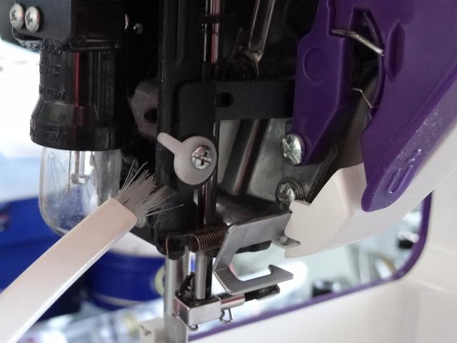 Limpiar la maquina de coser