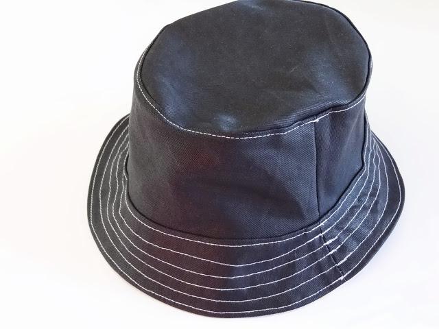 Mochila MRdM y sombrero