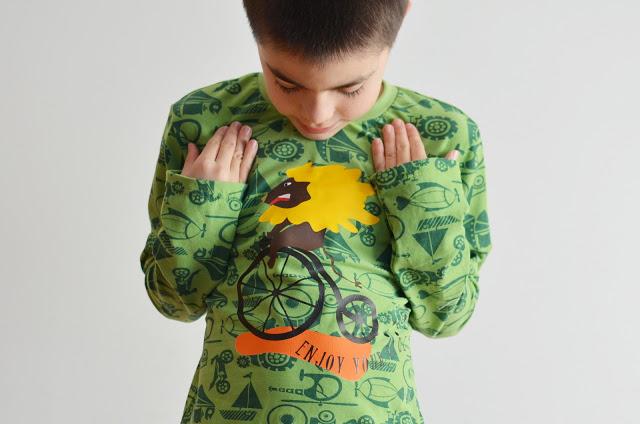 Leon en bici – SILUETA GRATIS PARA APLIQUE