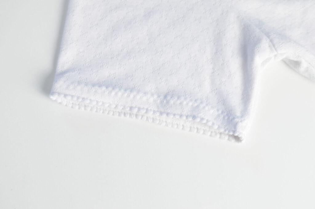 dobladillo de camiseta imitando puntilla